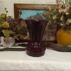 🌷 vintage cranberry vase 🌷